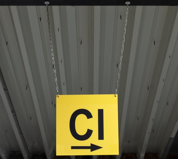 ONE2ID Lagerschilder Flachschild mit Pfeil Massengutschild