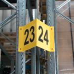 ONE2ID Schilder für Regale, Gänge und Halle V-Schild