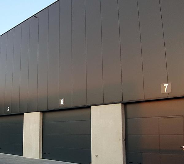 ONE2ID Lagerschilder für den Außenbereich Ladetor Lkw